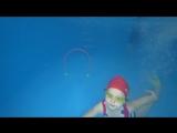 Ангелина в бассейне