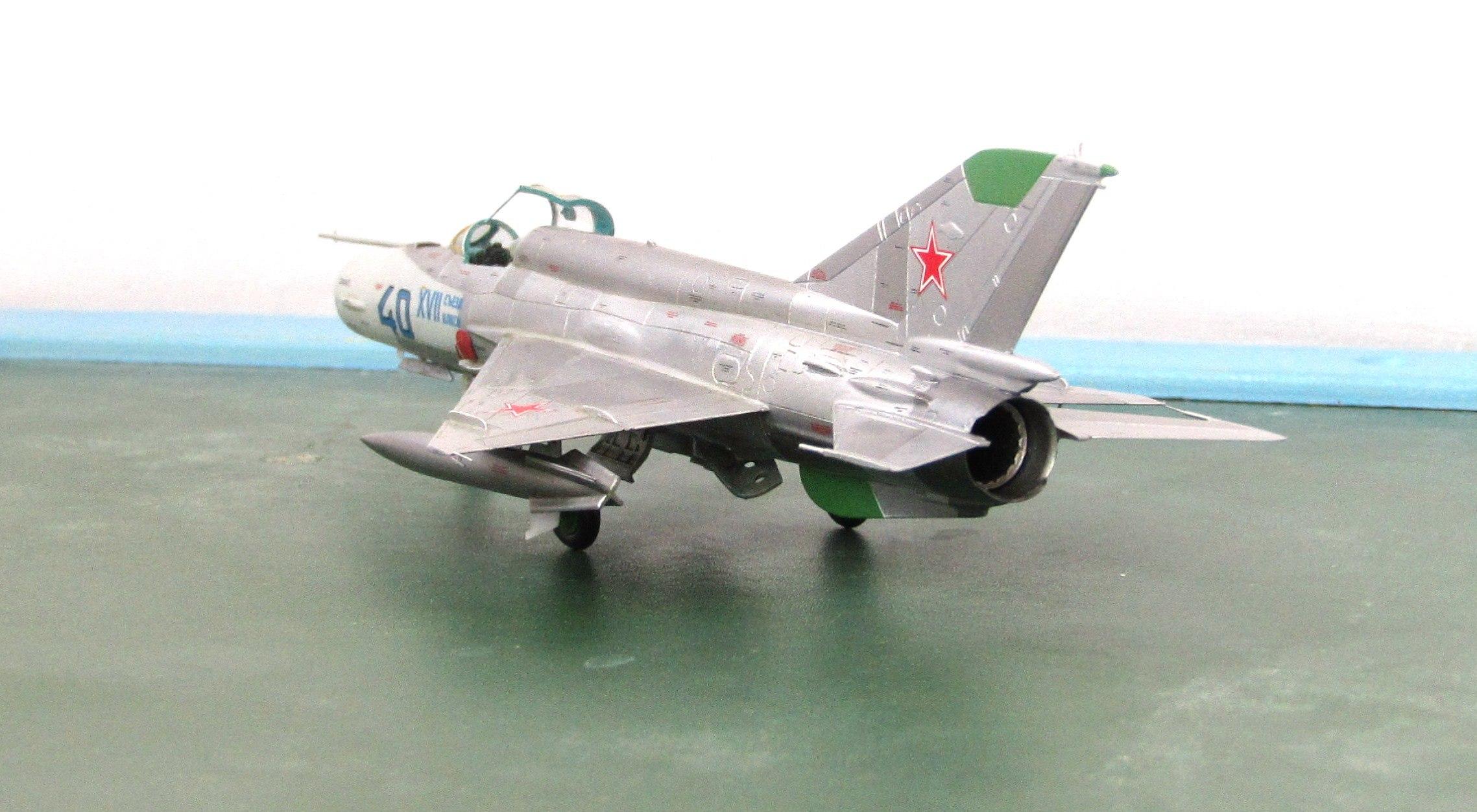 МиГ-21БИС 1/72 (Звезда) BtTr7uSvoqA