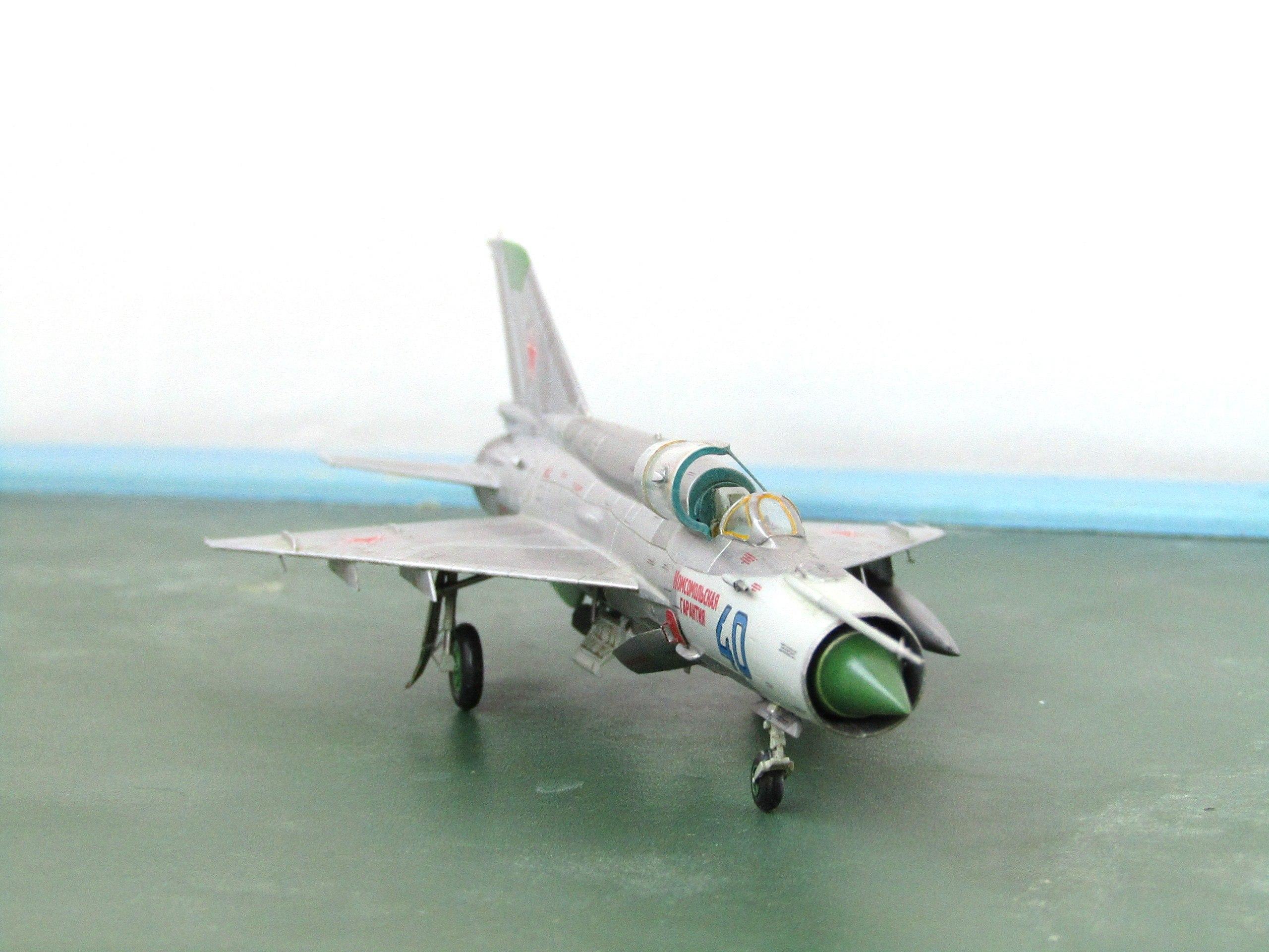 МиГ-21БИС 1/72 (Звезда) XDPUccsr1hg