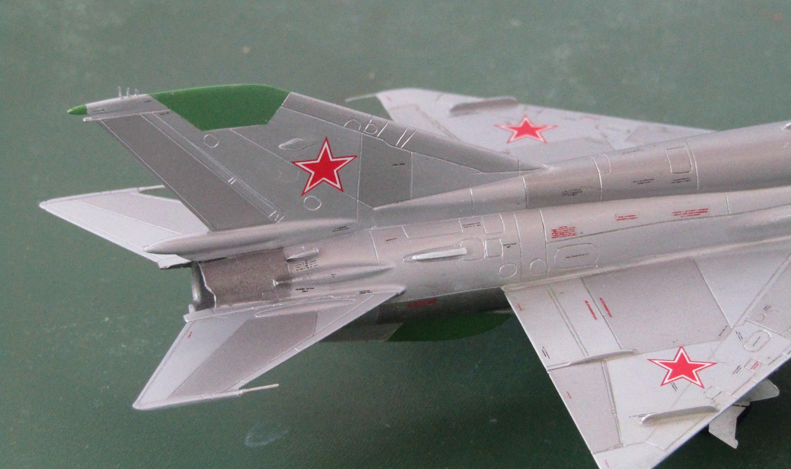МиГ-21БИС 1/72 (Звезда) AmPm3Z5GaHQ