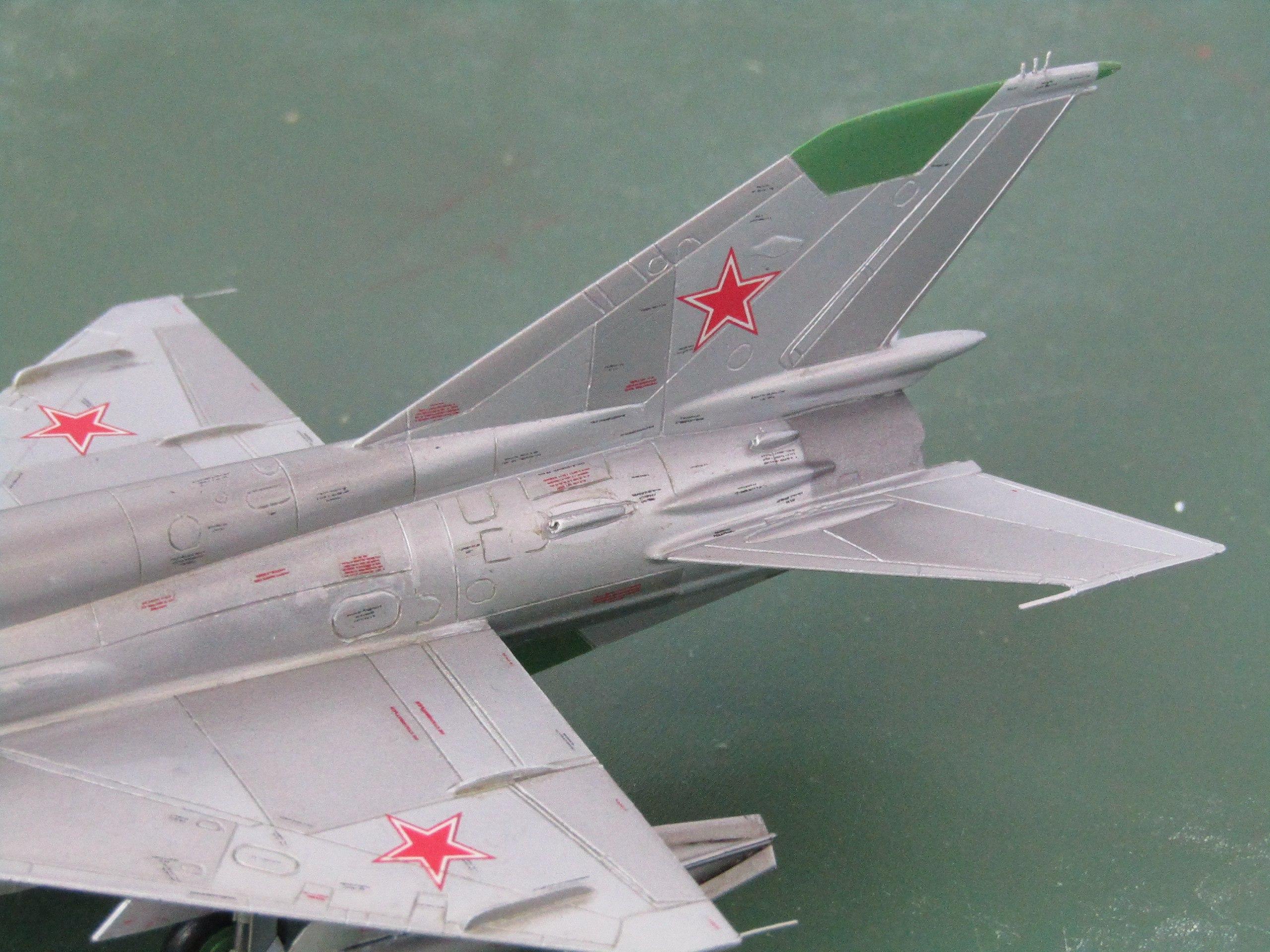 МиГ-21БИС 1/72 (Звезда) 3-sYbvaSwfQ