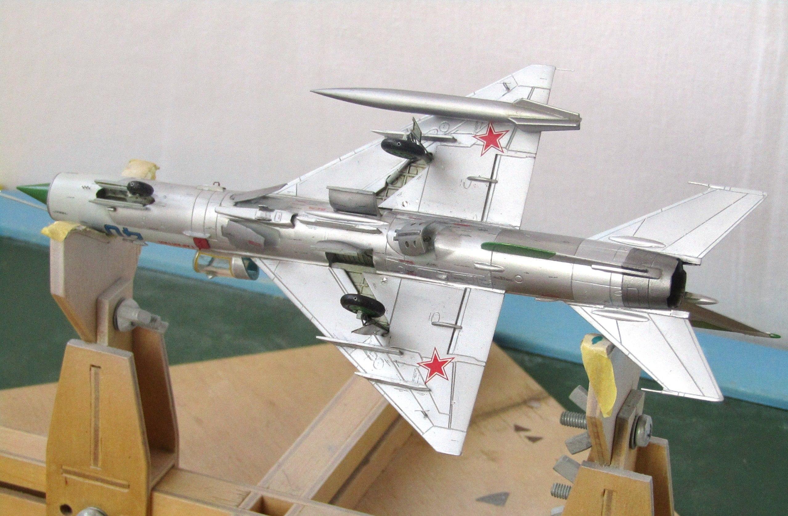 МиГ-21БИС 1/72 (Звезда) PMnB6YW6g1s