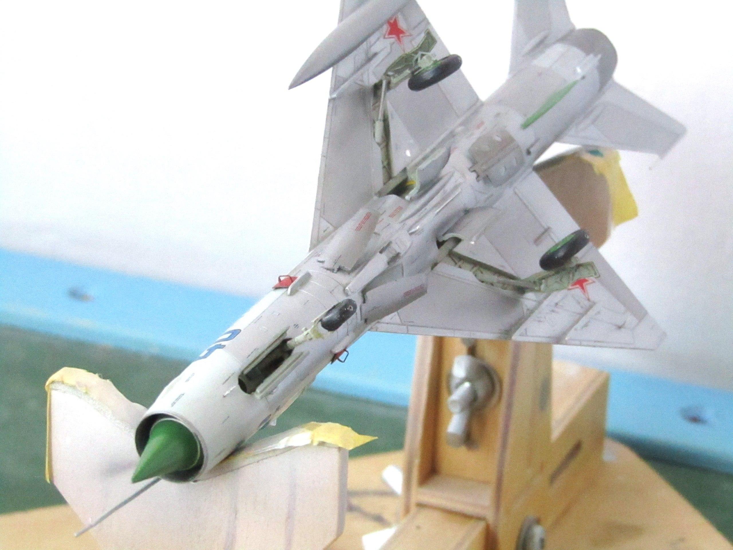 МиГ-21БИС 1/72 (Звезда) LfZEqkst_xk