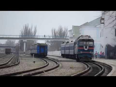ТЭП70-0110 отправляется с поездом №608О сообщением Бердянск-Запорожье-1 и приветливая бригада.