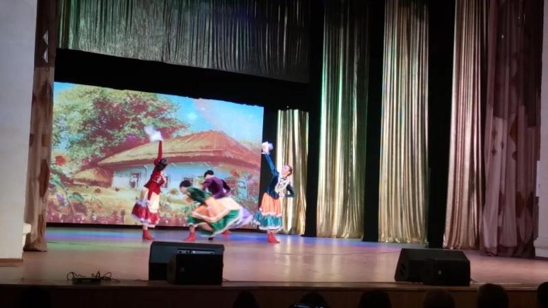 Казачий танец. Евгения Цыпина, Зарина Султангильдина, Регина Баракова, Анастасия Скарженюк, Ирина Арсланова