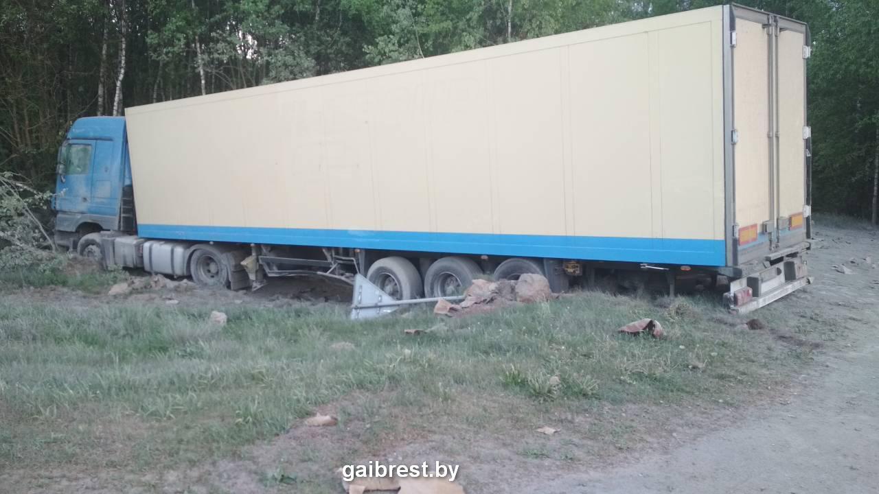 Официальная информация о ДТП на трассе Р-85 между Видомлей и Пружанами