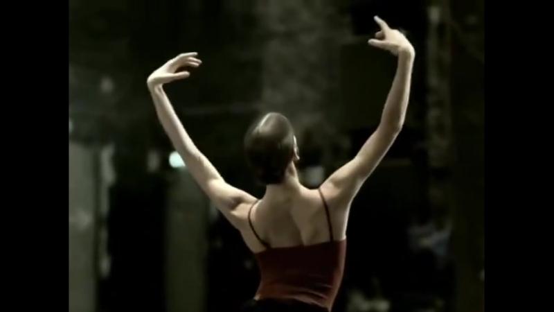 Соло в исполнении всемирно известной российской балерины Полины Семионовой Совершенство человеческого тела