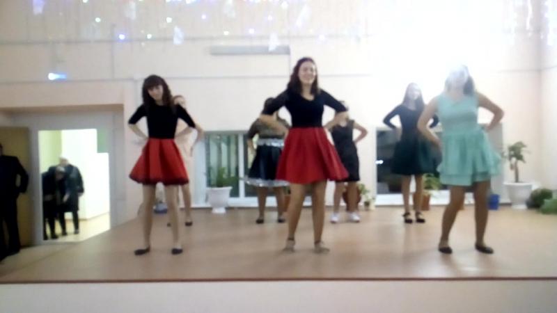 Танец на Новый год (флешмоб)