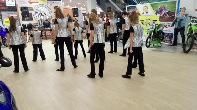 эстрадные танцы на выставке МОТОСАЛОН 2018 в ТРЦ Ривьера
