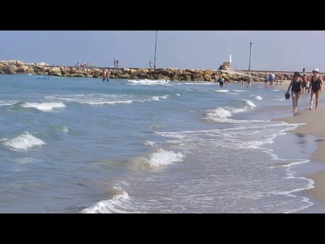 Спокойное море в сентябре ...Пляж Кирьят-Яма.Израиль.