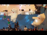 dancing polar bear at baywalk mall 30dec17