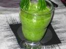 Зеленый детокс из сельдерея яблока и шпината