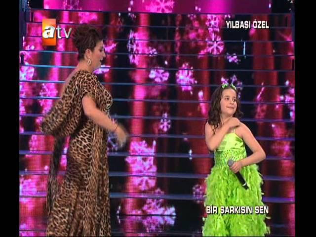 BerNa KaragözoğLu Padişah Sibel Can Duet Bir Şarkısın Sen 2010 Atv