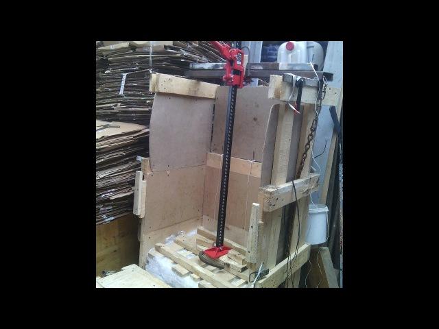 Деревянный пресс для вторсырья с реечным домкратом 3х-тн press from the hi-Jack for recyclables