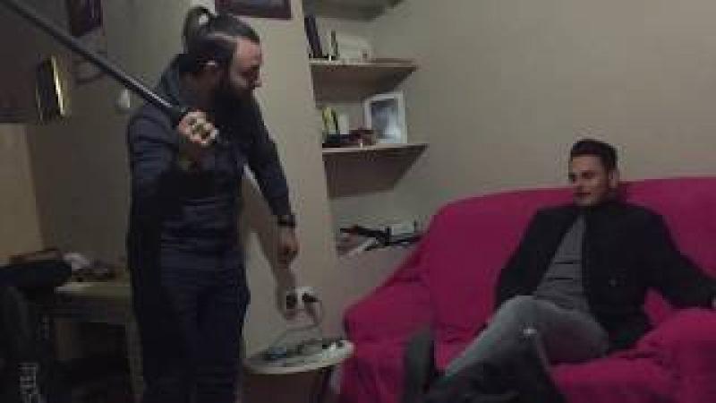 Pasha öğrencileri job ile falaka'ya yatırdı