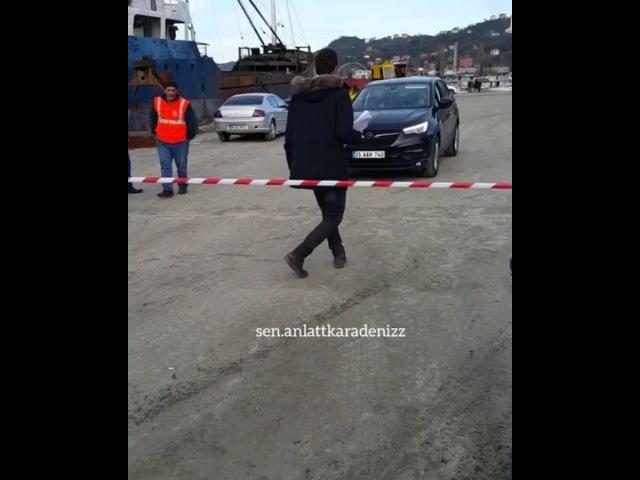 """Sen Anlat Karadeniz on Instagram """"Bugünden Ulaş giderken..🙄 ulastunaastepe ulaştunaastepe senanlatkaradeniz kameraarkası setgunlukleri @ipek_..."""