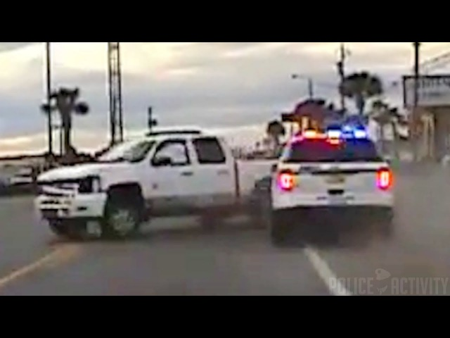 Полиция Флориды использует маневр ямы для прекращения преследования с множественными авариями