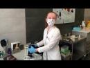 Врач флеболог Зайцева Марина Евгеньевна проводит процедуру лечения варикозной болезни склеротерапия