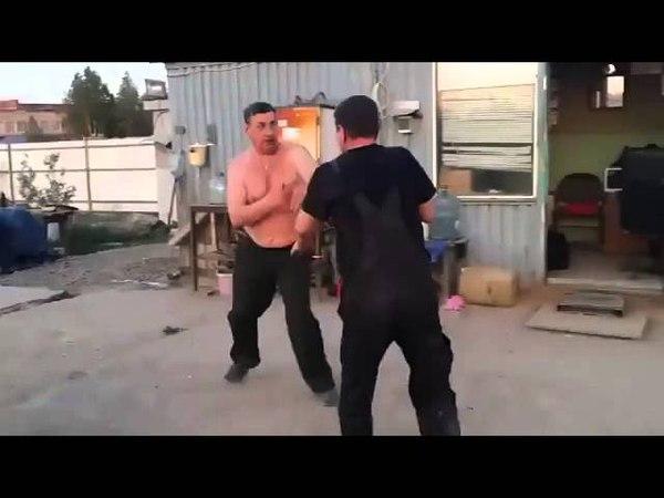 Смешная драка двух пьяных мужиков