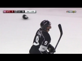 НХЛ. Адриан Кемпе оформляет хет-трик в домашнем матче против