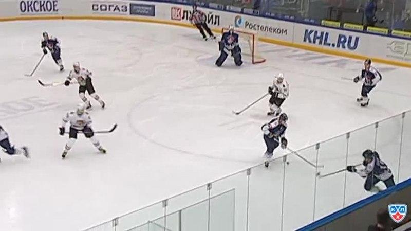 Моменты из матчей КХЛ сезона 14/15 • Удаление. Черепанов Никита (Амур) удален на 2 минуты за подножку 28.11