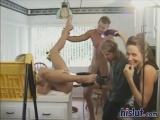 Девушка стоит с камерой за кулисами съёмок порно. cfnm, public sex, voyeur, backstage porn