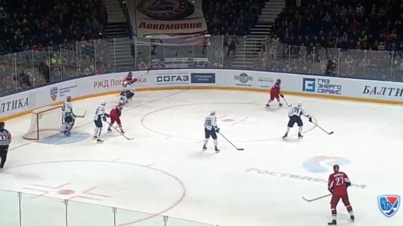 Моменты из матчей КХЛ сезона 14/15 • Гол. 1:0. Петри Контиола (Локомотив) открыл счёт в матче, отличившись в большинстве 21.11