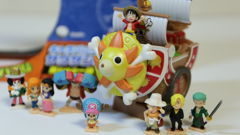 THOUSAND-SUNNY BANK with ONE PIECE Figures ~ サウザンド・サニー号 J-WORLD TOKYO限定キャラバンク