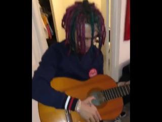 Lil Pump душевно играет на гитаре!