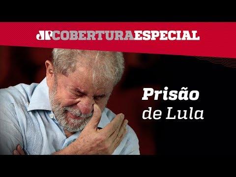 Lula sobe em carro de som e celebra missa para Marisa Letícia - 07-04-2018