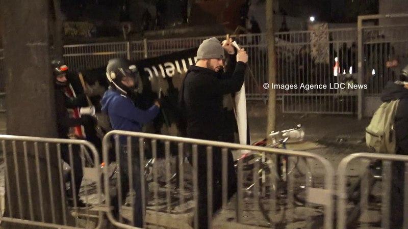 Des étudiants du Comité Anti-Blocage à l'assaut de la Fac de Tolbiac. Paris/France - 06 Avril 2018