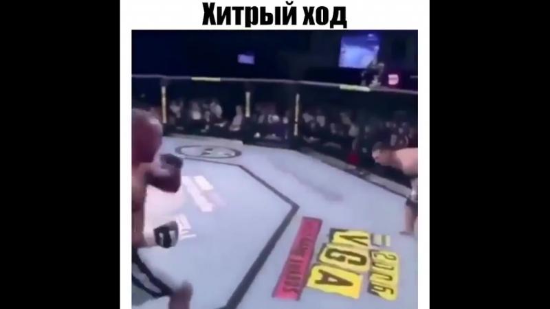 На самом деле он сломал два ребра , просто вовремя собрался )
