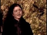 Лера Ауэрбах читает свои стихи А осень рассыпает щедро... Lera Auerbach reads her poetry