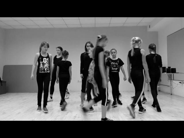 Improvisation by Taya Yasynska (Two Feet - Go F*ck Yourself)