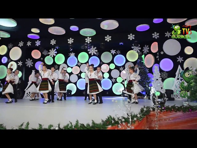Ansamblul de dansuri populare Mladita (s.Rezeni) - Sapte pasi