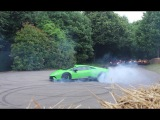 SUPERCARS DO DONUTS! Huracan Performante