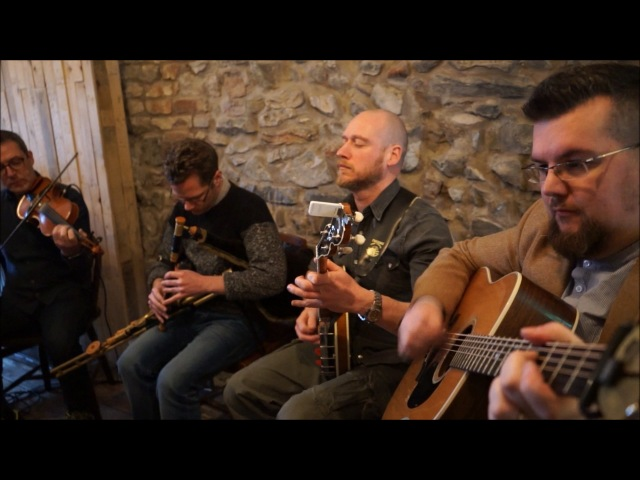 BIRD IN THE BUSH, THE LAUREL TREE and LUCY CAMPBELL'S (Reels). Trad. Arr DROP THE FLOOR.