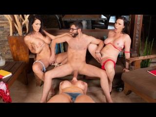 Ariella Ferrera, Dana Dearmond, Reagan Foxx [MyFriendsHotMom, групповуха  смотреть порно]