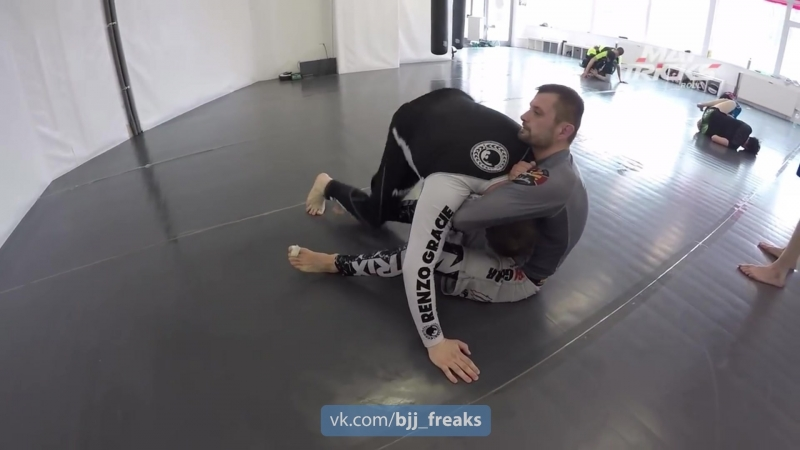 Special Guillotine Variation from Top Sidemount Position