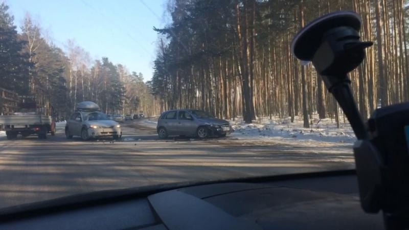 Авария между Б.Ижорой и Лебяжье.