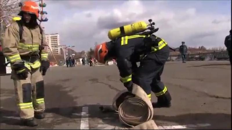 Соревнования по пожарно-спасательному кроссфиту в Нижнем Тагиле