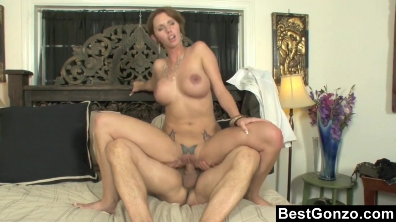 busty_personal_accountant_chea ts_on_her_husband_720p