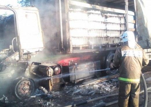 В Зеленчукском районе сгорел большегруз МАН