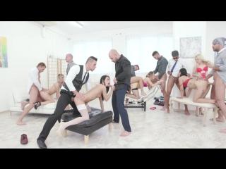 21.12.17.GIO495 - This aint Xmas Orgy #1 With Kira Thorn Jureka Del Mar Selvaggia Nicol Black - Presentation