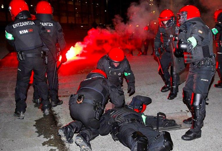 Названа причина смерти полицейского, пострадавшего в результате столкновения с фанатами «Спартака»