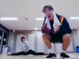 Hoseoks reaction when Jimin suddenly did the splits is the greatest thing ever theyre so cute
