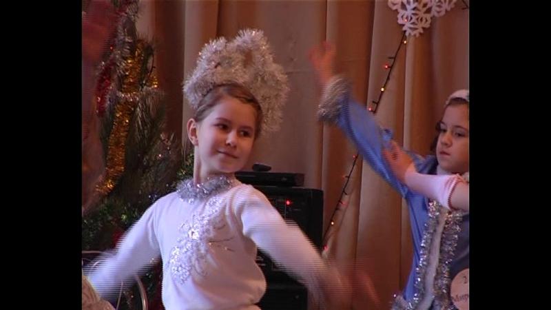 16 января в Старобешевском доме детского и юношеского творчества прошел конкурс «Мисс Снегурочка-2018»