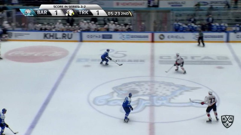 Моменты из матчей КХЛ сезона 17/18 • Удаление. Иржи Новотны (Трактор) получил 2 минуты за удар коленом 04.03