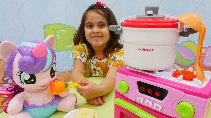 My Little Ponyle düdüklü tencere alalım | Maşanın oyuncakları