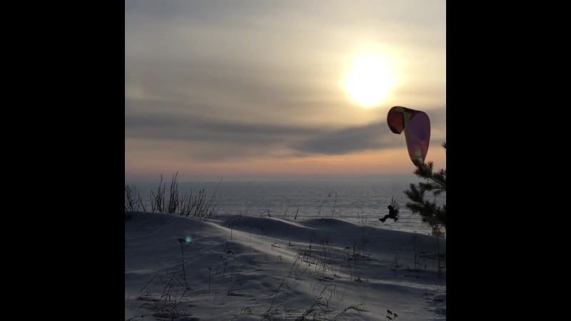 Полет надо льдом Обского моря бердского побережья